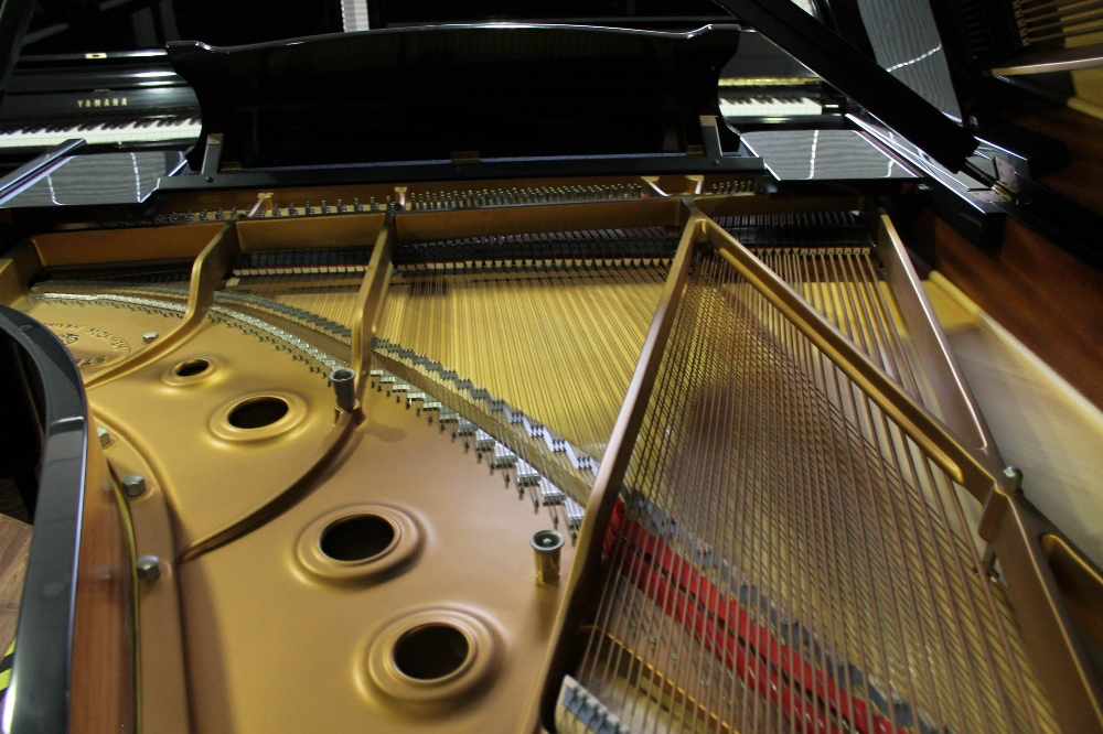 Steinway (c1986) A 6ft 2in Model A grand piano in a bright ebonised case on square tapered legs. - Image 8 of 8