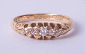 An antique 18ct diamond 'boat' five stone ring, size M.