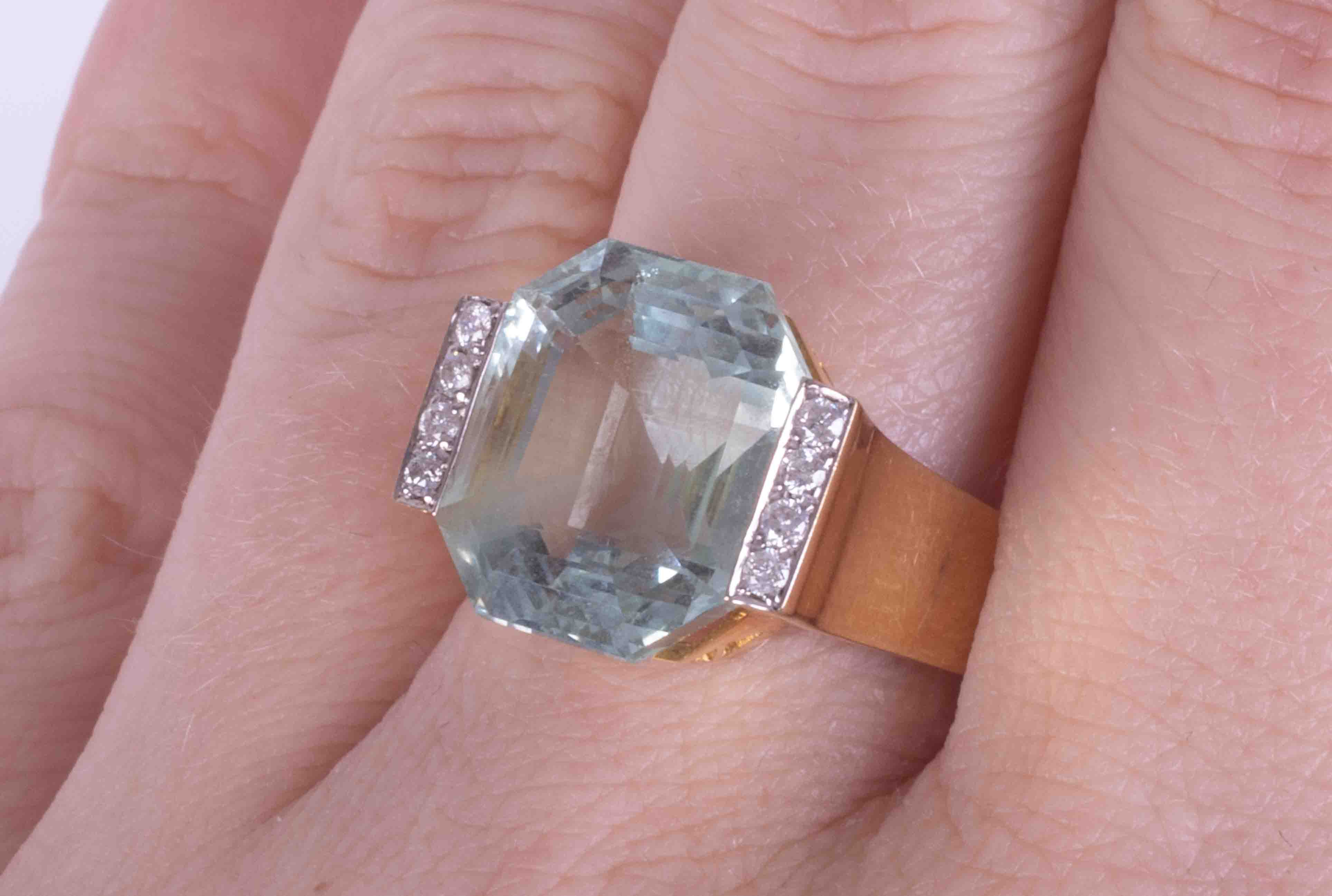 A 14ct yellow gold Art Deco style ring set approx. 11.26 carats of fancy cut Aquamarine with four - Image 2 of 2