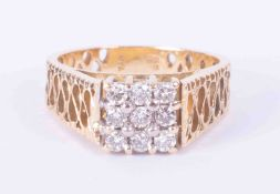 An ornate design 18ct yellow gold ring set with approx. 0.54 carats of round brilliant cut