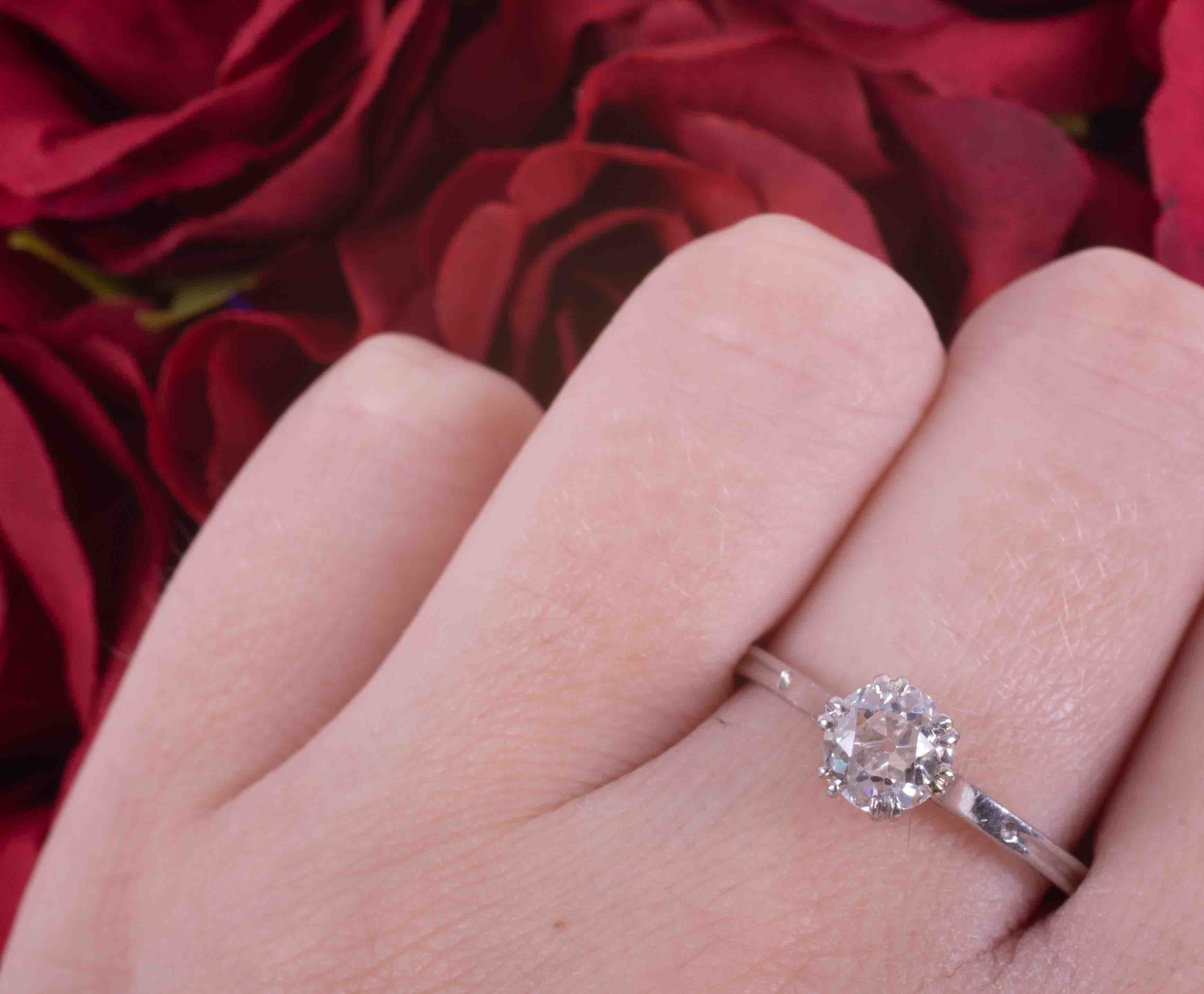 A platinum single stone ring with set with approx. 0.81 carats of old round cut diamond, colour H- - Image 3 of 4