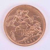 Victoria, gold full sovereign 1900.