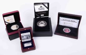 The Queens 90th Birthday 2oz silver proof crown, cased together with Avro Vulcan commemorative