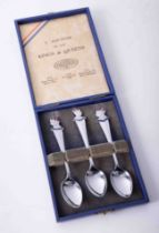 Cased souvenir set of 3 Kings & Queens silver plated commemorative spoons, George V, Edward VIII,