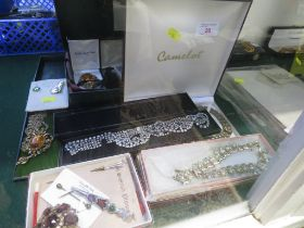 COSTUME BROOCHES, CASED COSTUME NECKLACES AND OTHER SMALL ITEMS.