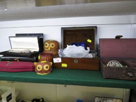 FOUR JEWELLERY CASES WITH CONTENTS OF MIXED COSTUME JEWELLERY, TWO WICKER OWLS WITH CONTENTS OF