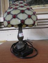 MODERN TIFFANY STYLE TABLE LAMP.