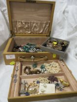 JEWELLERY BOX WITH CONTENTS INCLUDING 925 EARRINGS WITH STONES , OTHER SILVER EAR STUDS , WHITE