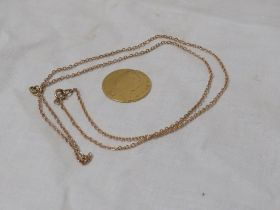 GEORGE III 1790 GOLD SPADE GUINEA (8.2G)(AF) TOGETHER WITH A YELLOW METAL MICRO CHAIN (4.2G).