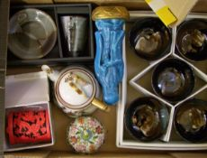 A mixed collection of items to include Japanese and oriental ceramic, enamelled and resin items