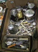 A mixed collection of items to include: silver plated faux handled cutlery, similar items, pewter