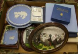 A mixed collection of items to include: Wedgwood Jasperware plates, resin plaques etc.