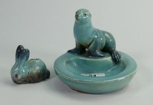 Beswick early blue models: of a sealion dish 306 and feeding rabbit. (2)