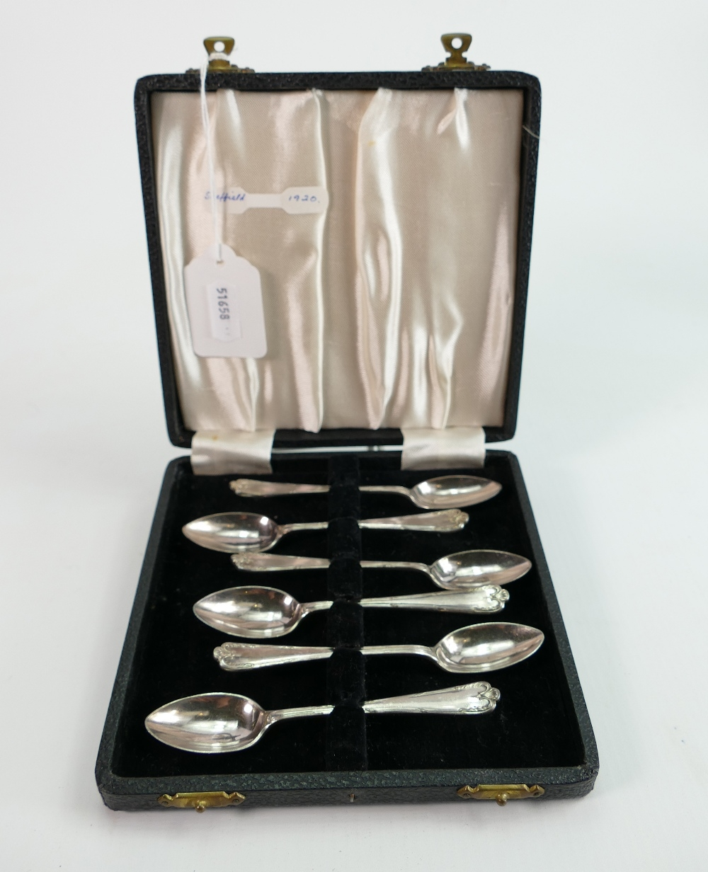 Cased set of 6 silver coffee spoons: Weight of spoons 85.3g. Hallmarks for Sheffield 1945.