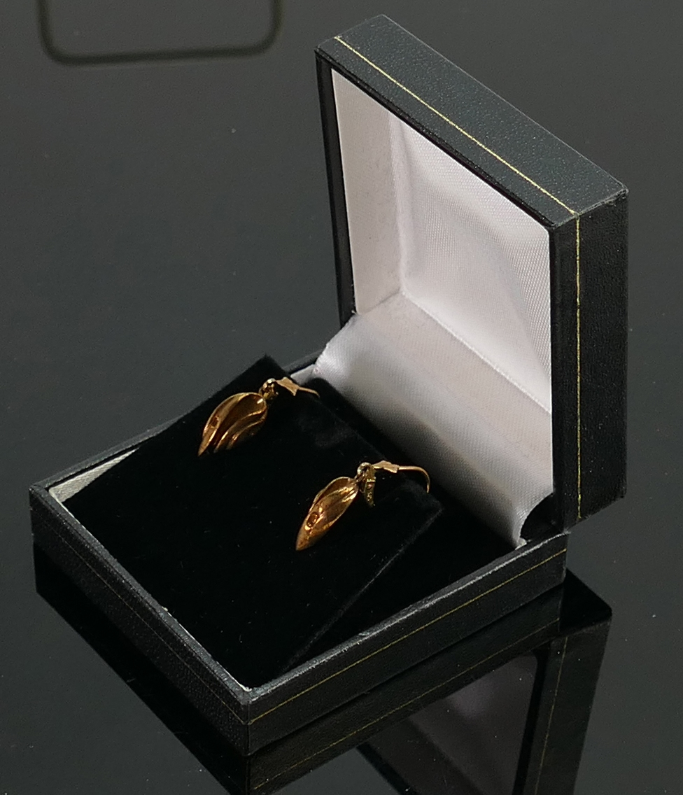 9ct gold Pair of Annie Taggart Gobi Fish earrings:, QVC brand new & boxed, 2.8g.