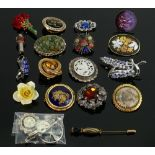 4 x silver brooches and 17 costume jewellery items: Four silver pieces include marcasite set golfing