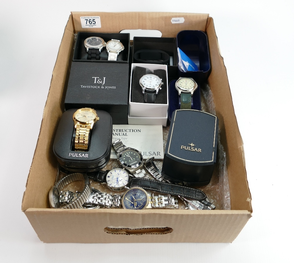 14 x various fashion mainly gents watches: Includes Pulsar & assorted fashion brands, some still
