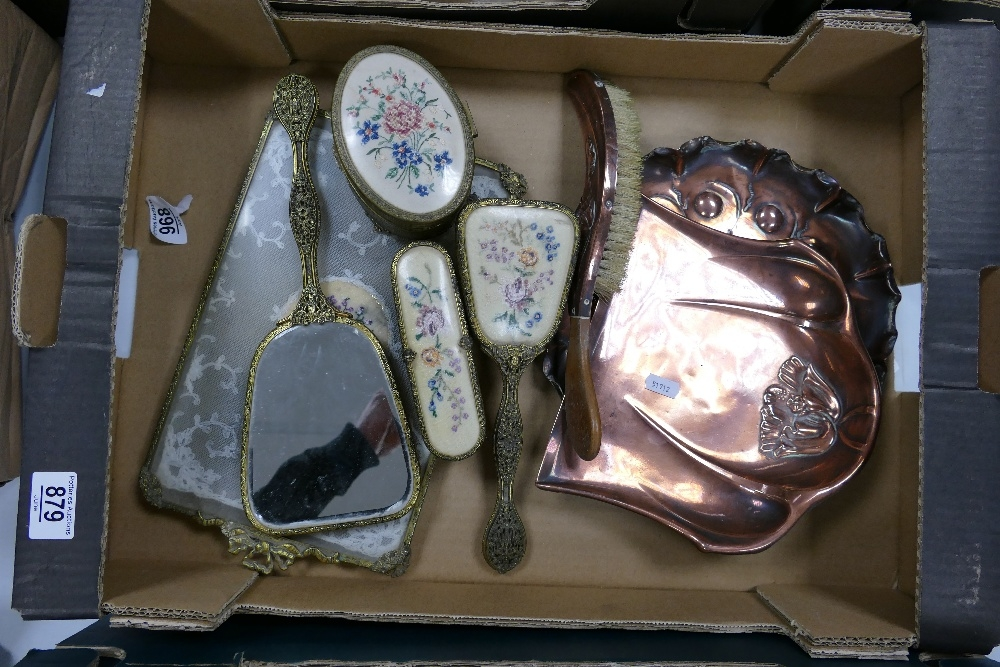 A mixed collection of item to include: Beldray Copper Crumb Tray & Brush, base metal dressing - Image 2 of 3