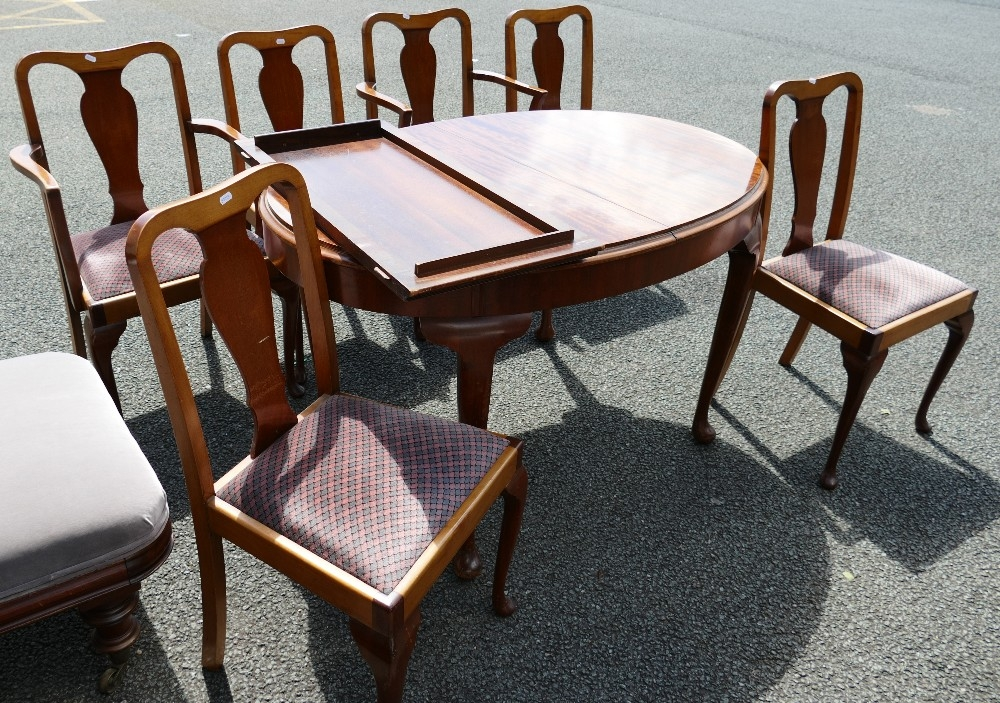 Dark Wood Extending Dinning Table: with six matching chairs & additional leaf