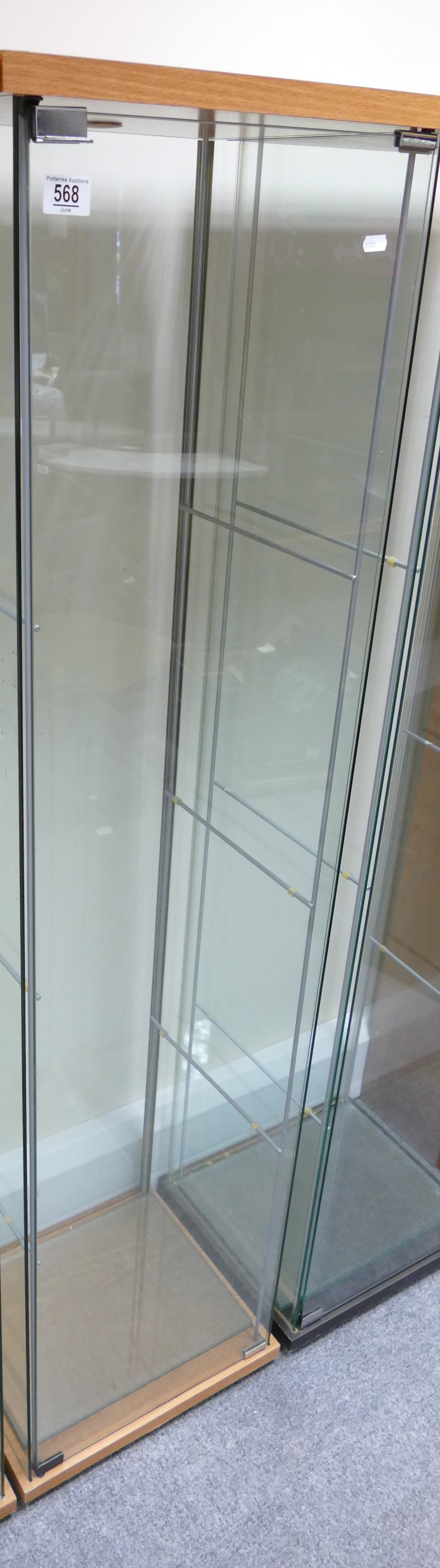 Modern Showroom Display Cabinets: height 162cm, depth 37cm and width 43cm