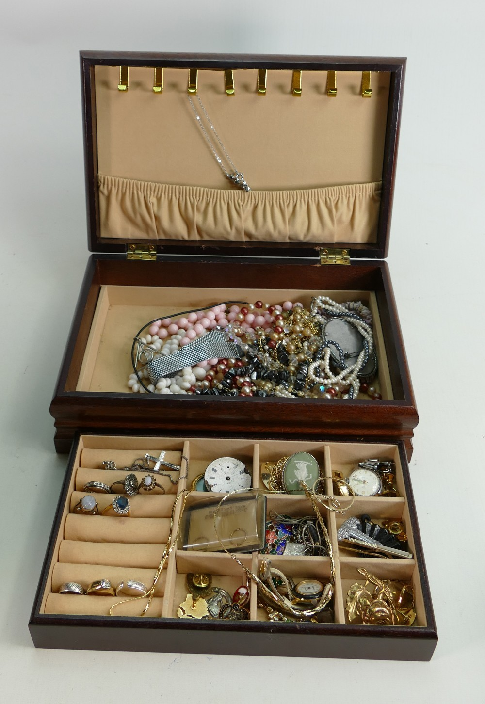 Jewellery box full of interesting jewellery some 9ct gold and silver noted: Includes, brooches,