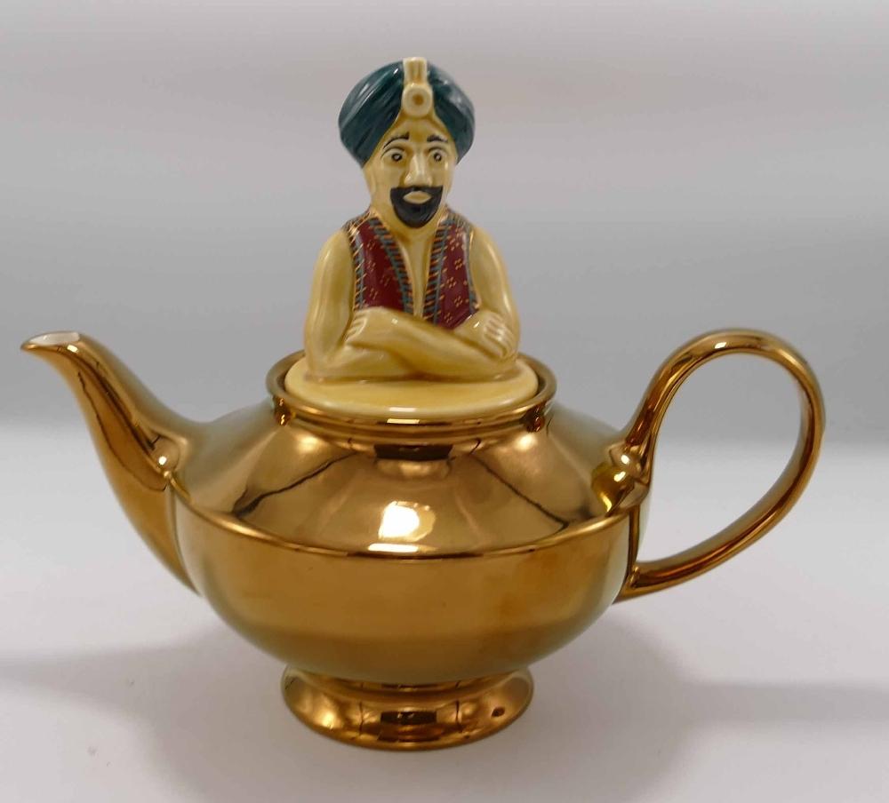 Wade Aladdin Lamp Teapot: height 21cm