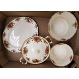 Royal Albert Old Country Roses items: 1 oval platter, 1 covered veg tureen and 2 planters (4).