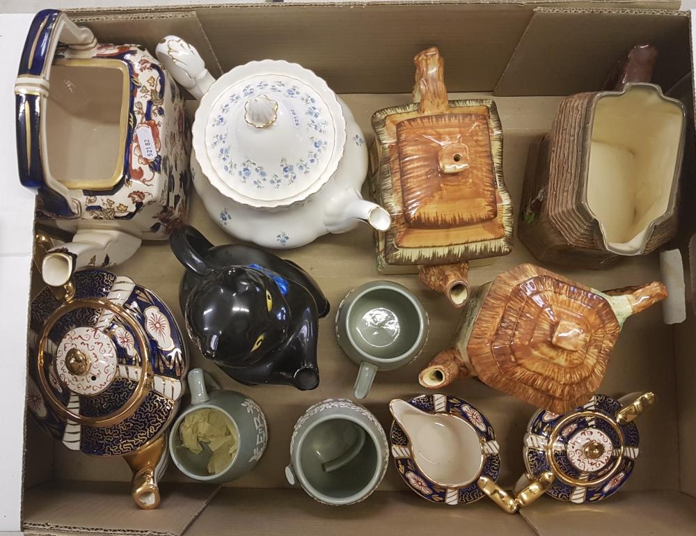 Mixed collection of items: Sadlers tea service, Royal Albert Memory Lane teapot (2nds), Royal