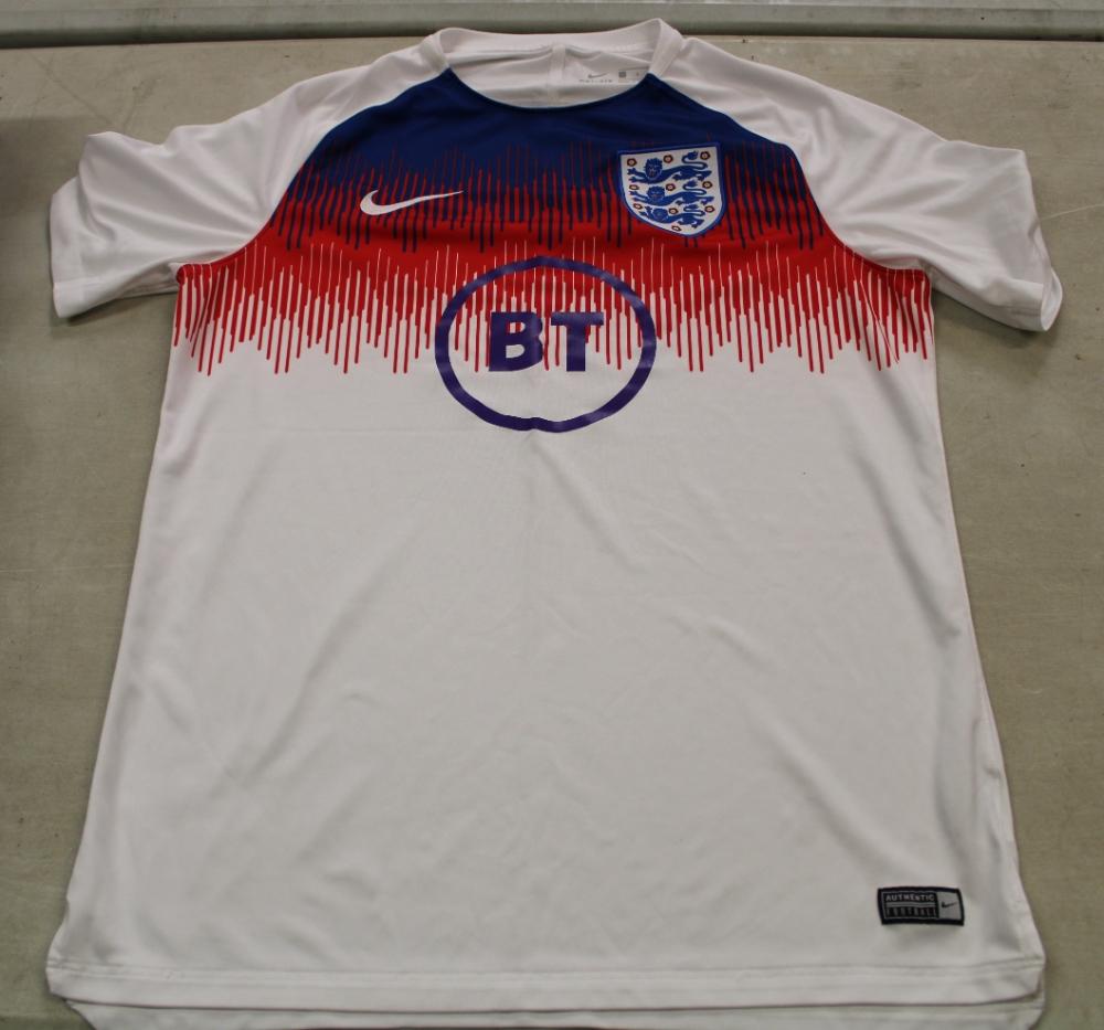 Large Nike England tops x 14: