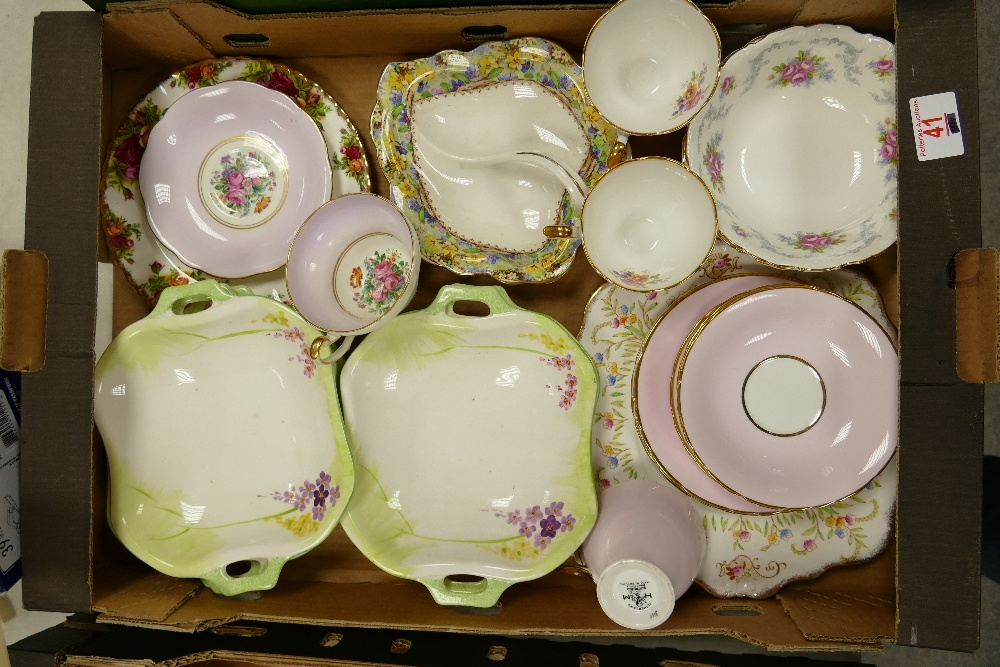 A collection of Royal Albert & similar Floral decorated tea & dinner ware: