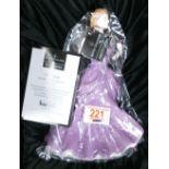 Royal Doulton figurine Victoria: Royal Doulton figurine Victoria HN4623. Boxed with certificate
