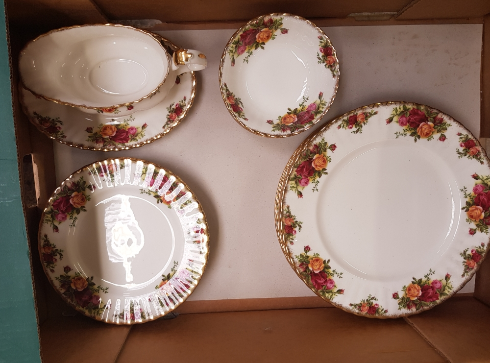 Royal Albert Old Country Roses dinner ware items: 6 dinner plates, 6 salad plates, 6 fruit