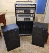 Pioneer Hi-Fi system: PL-320 turntable, C-T520 tape deck, TX-520L tuner, SA-520 amplifier, plus hi-
