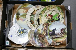 A mixed collection of items to include: Royal Doulton Seriesware plates, decorative similar wall