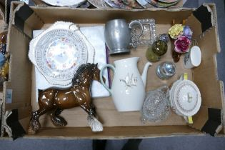 A mixed collection of items to include: Royal Doulton Grantham sugar bowl, damaged Beswick Horse,