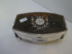 A very decorative silver and tortoise shell trinket box on four feet hallmarked Birmingham 1918 Lebi