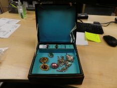 Jewellery box containing costume jewellery incl. silver and turquoise Indian style necklaces, Tigers
