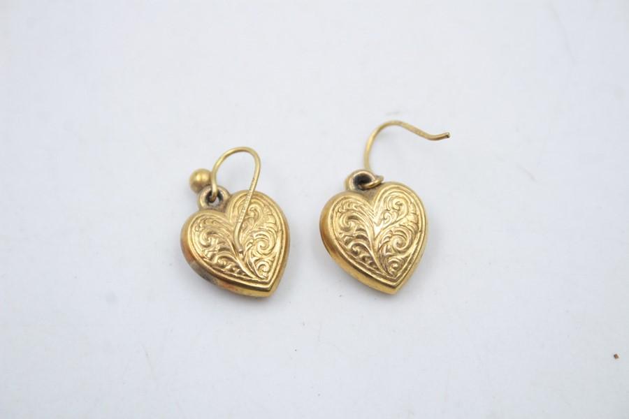 2 x 9ct Gold heart jewellery inc. earrings, locket 2.6g - Image 3 of 6