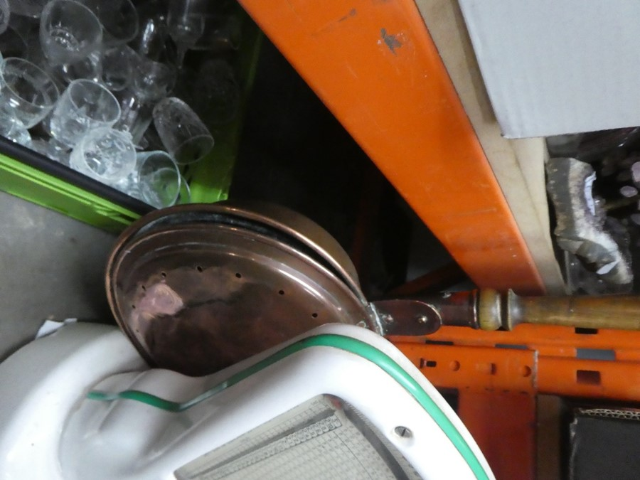 A set of vintage Avery scales and a copper bed warmer - Image 2 of 2