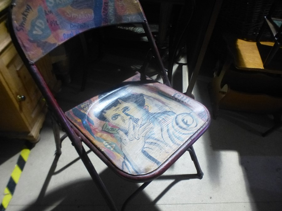 Painted folding chair - Image 3 of 4
