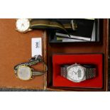 Leather box containing 3 vintage wristwatches; a stainless Bulova Combitron, Roamer and Seiko exampl