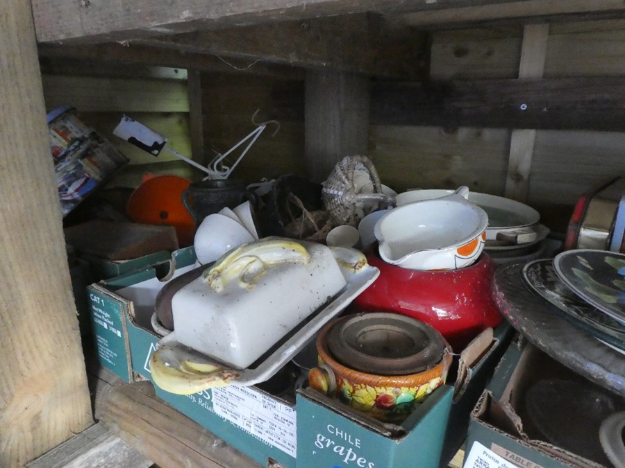 Nine Boxes of mixed china, glass and sundries to include plates, dishes, honey pots, etc - Image 3 of 4