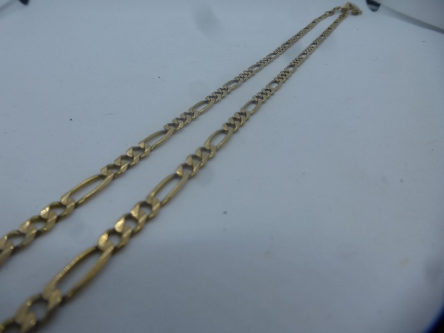 9ct yellow gold oval floral embossed locket, hung 9ct rose twist necklace and 9ct yellow gold figaro - Image 3 of 4