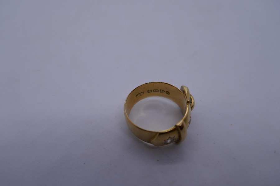 18ct yellow gold buckle ring inset with 2 sunburst diamonds, marked 18ct size N/o, 8.6g approx - Image 3 of 4