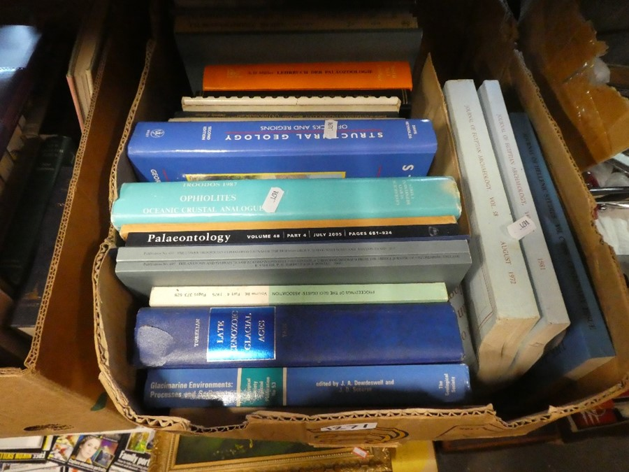 Three boxes of books on various themes - Image 2 of 3