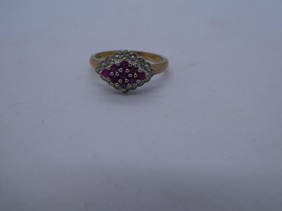 vintage 9ct gold ruby 7 diamond cluster ring 2.8g