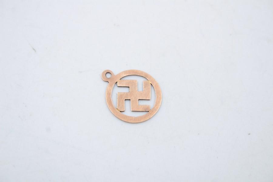 Antique 9ct gold swastika pendant / charm 0.5g