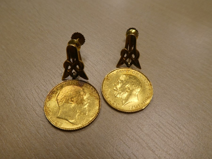 Pair of yellow metal earrings each hung with a half Sovereign, 1909 and 1914, gross weight 11.6g - Image 2 of 2