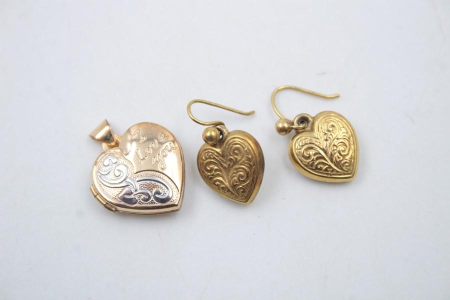 2 x 9ct Gold heart jewellery inc. earrings, locket 2.6g