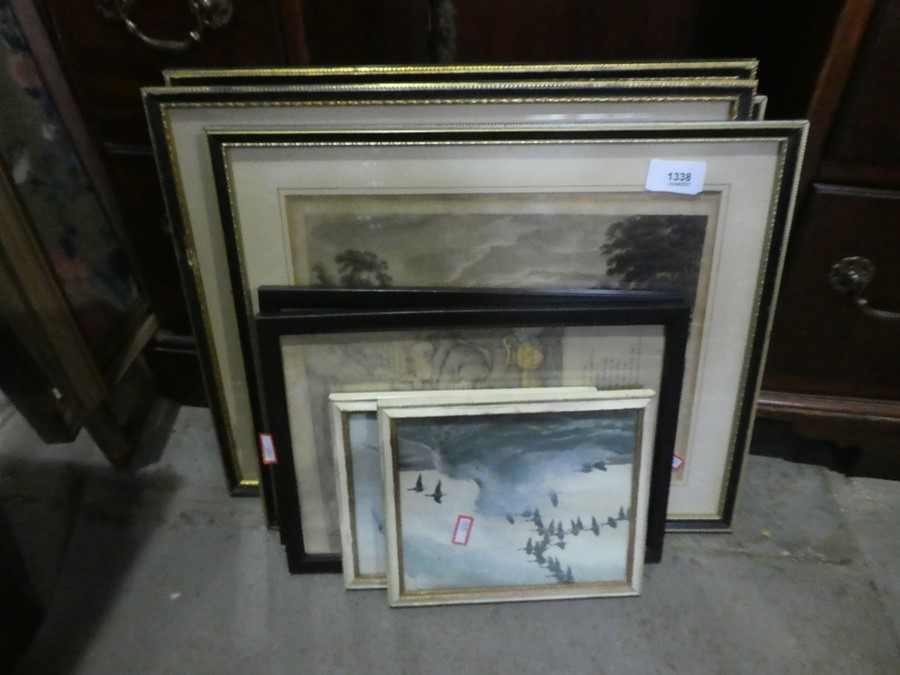 Quantity of mixed pictures and prints